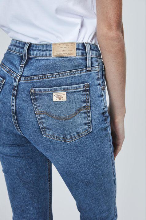 Calca-Jeans-de-Cintura-Alta-Boot-Cut-Detalhe--