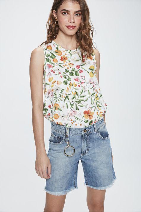 Bermuda-Jeans-Justa-com-Puidos-Feminina-Frente--