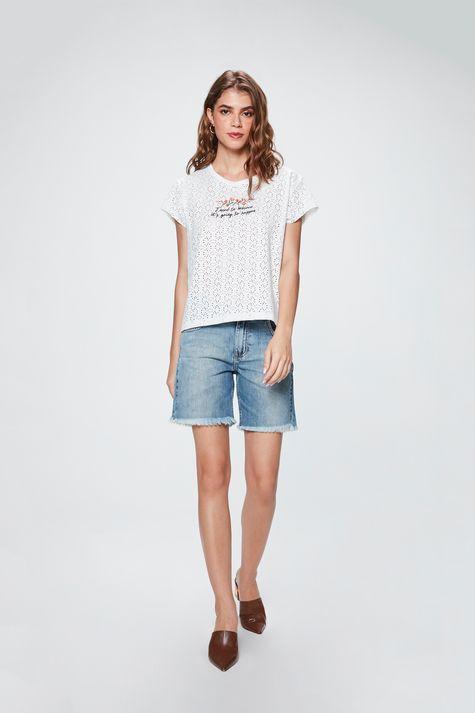 Camiseta-com-Estampa-I-Need-to-Believe-Detalhe-1--