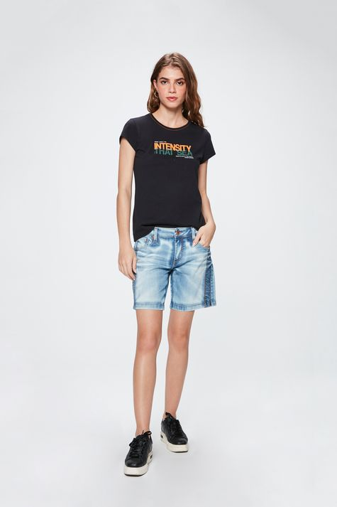 Bermuda-Jeans-Solta-Feminina-Detalhe-1--
