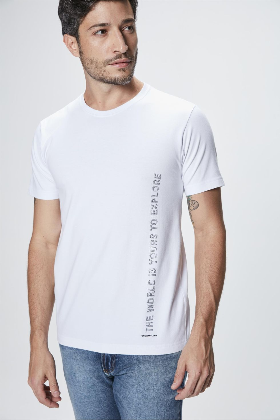 Camiseta-com-Estampa-The-World-is-Yours-Frente--