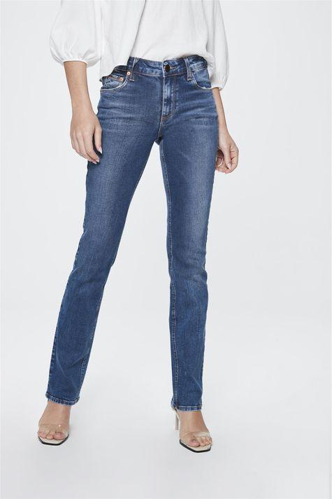 Calca-Jeans-Reta-de-Cintura-Alta-Frente-1--