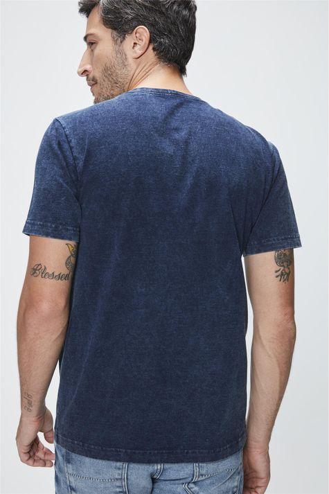 Camiseta-com-Estampa-Perfect-Masculina-Costas--