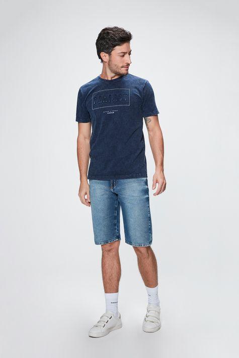 Camiseta-com-Estampa-Perfect-Masculina-Detalhe-1--