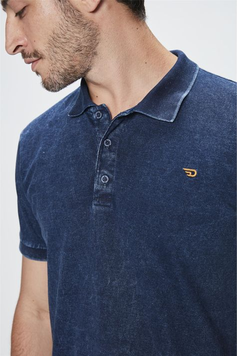 Camisa-Polo-de-Malha-Denim-Masculina-Detalhe--