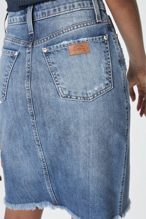Saia-Jeans-Secretaria-com-Fenda-Detalhe--