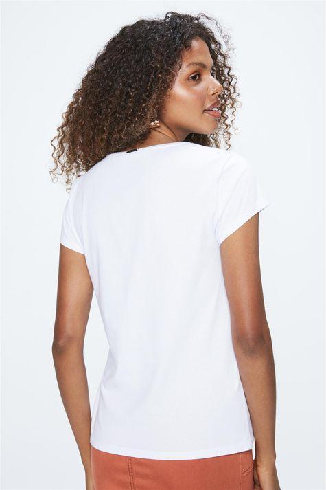Camiseta-Feminina-com-Estampa-Metalizada-Costas--