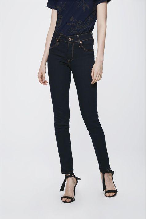 Calca-Cigarrete-Jeans-Escuro-Feminina-Costas--