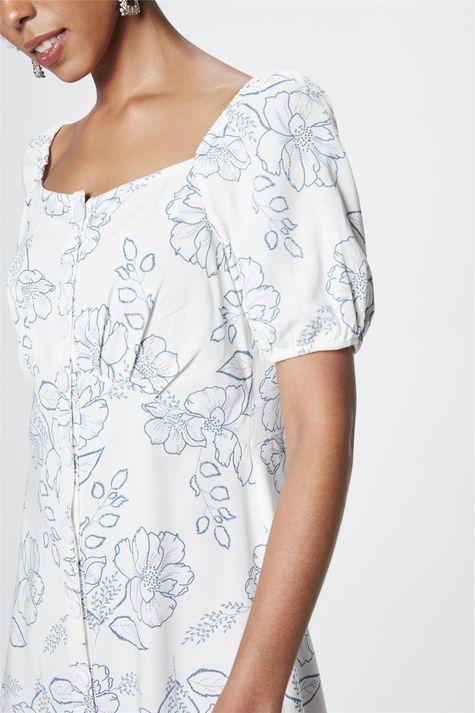 Vestido-Ciganinha-com-Estampa-Floral-Detalhe--