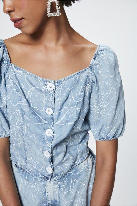 Top-Cropped-Jeans-com-Estampa-Floral-Detalhe--
