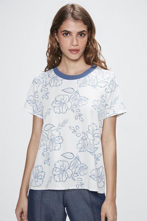 Camiseta-com-Estampa-Floral-Feminina-Costas--