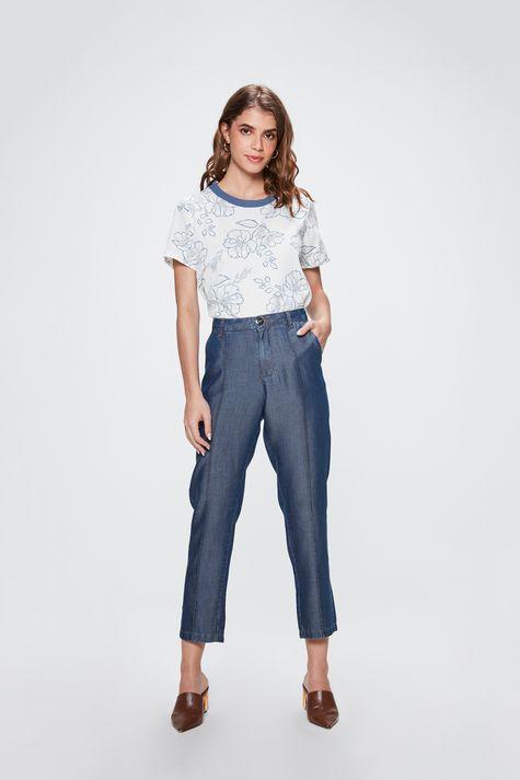 Camiseta-com-Estampa-Floral-Feminina-Detalhe-1--