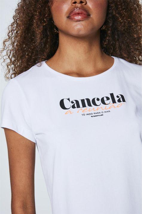 Camiseta-com-Estampa-Cancela-a-Reuniao-Detalhe--
