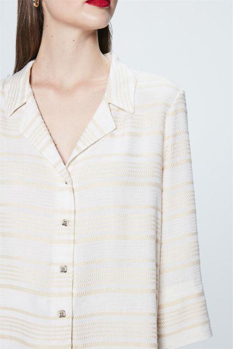 Camisa-Mangas-3-4-Listrada-Feminina-Detalhe--