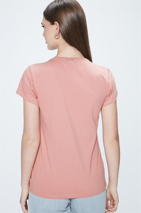 Camiseta-com-Estampa-Evoluindo-Detalhe--