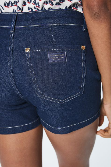 Short-Jeans-Escuro-Solto-Feminino-Detalhe--