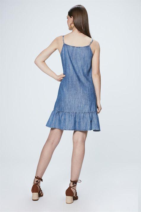 Vestido-Jeans-com-Babado-na-Barra-Detalhe--
