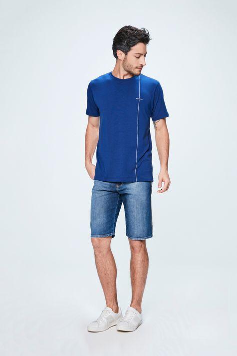 Camiseta-com-Listra-Masculina-Detalhe-1--