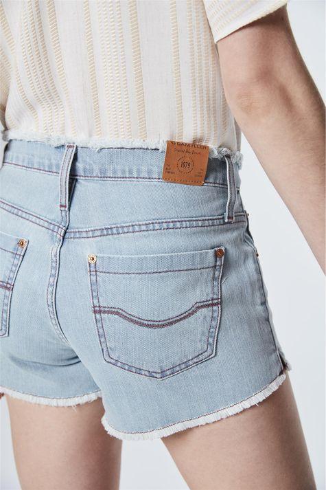 Short-Jeans-Claro-Boyfriend-Detalhe--