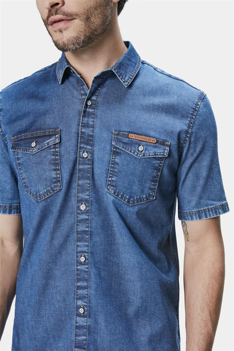 Camisa-Jeans-de-Manga-Curta-Masculina-Detalhe--