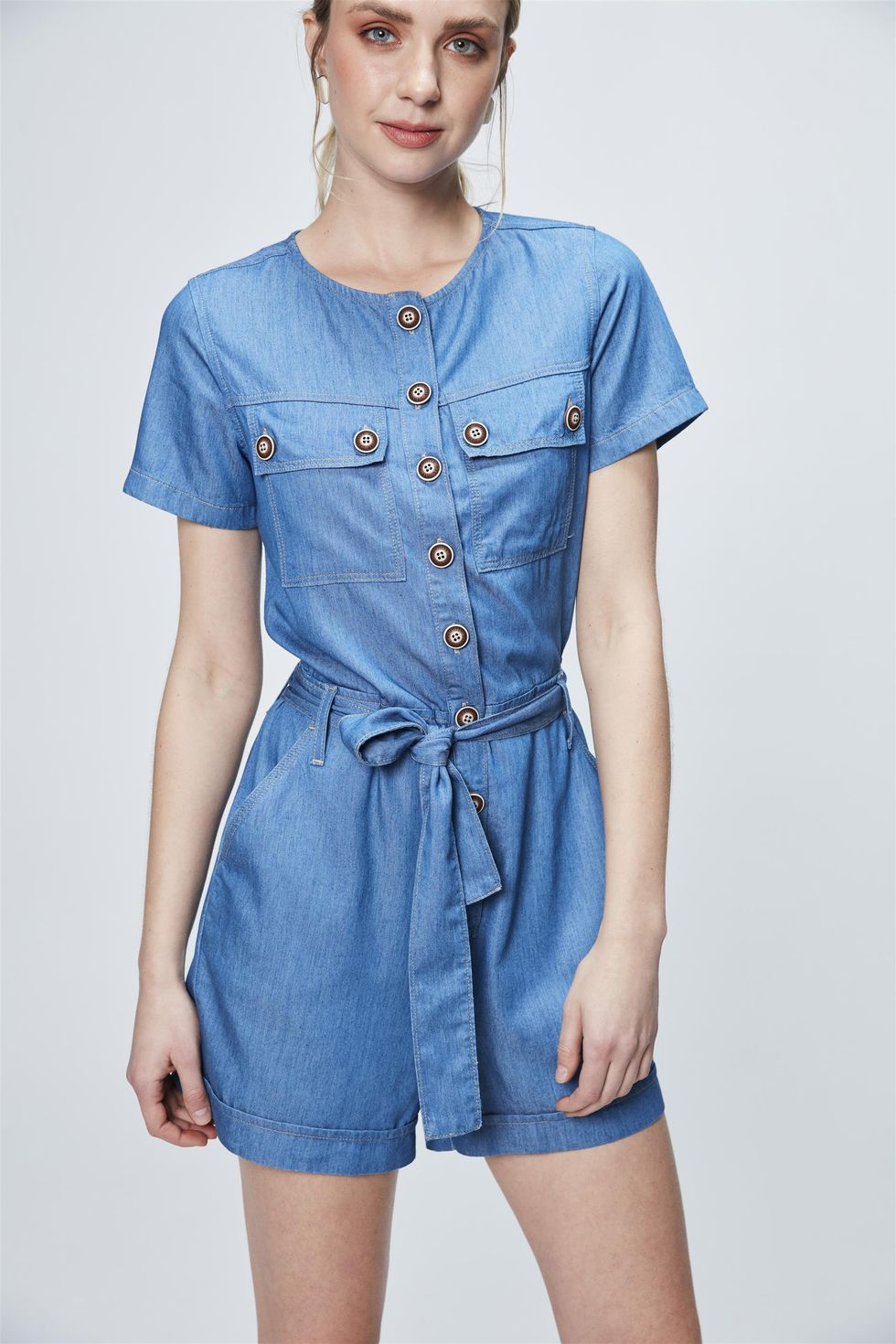 Macacao-Jeans-Curto-Utilitario-Frente--
