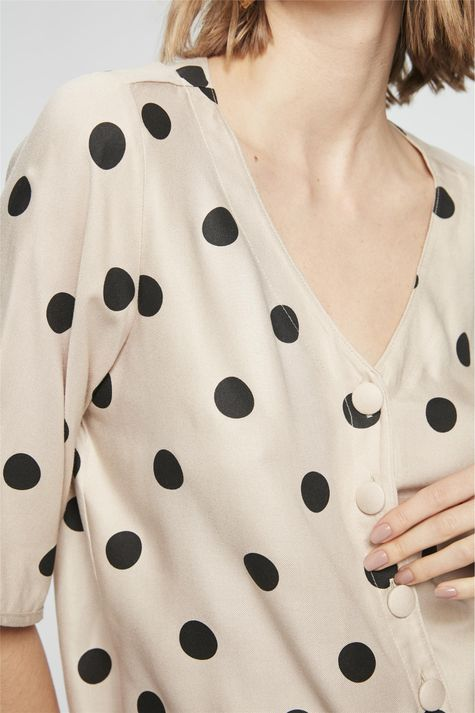 Camisa-Manga-3-4-com-Estampa-de-Bolinhas-Detalhe--