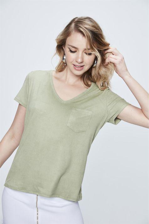Camiseta-Gola-V-de-Suede-Feminina-Costas--