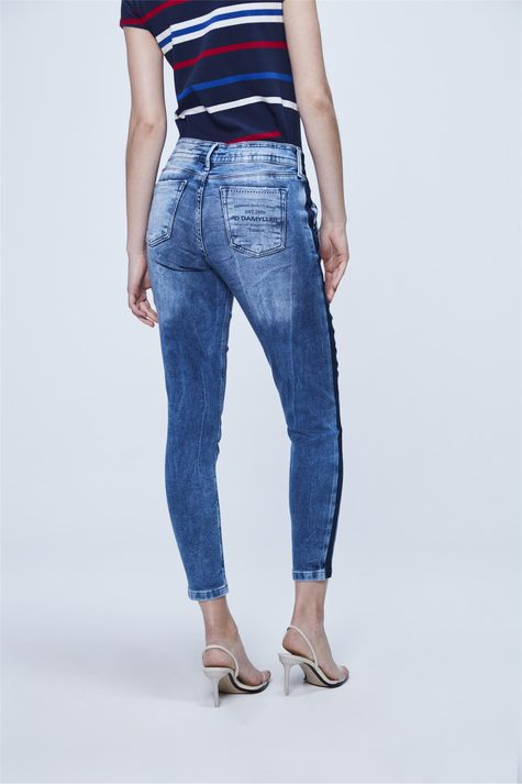 Calca-Jogger-Jeans-Listra-Lateral-Costas--
