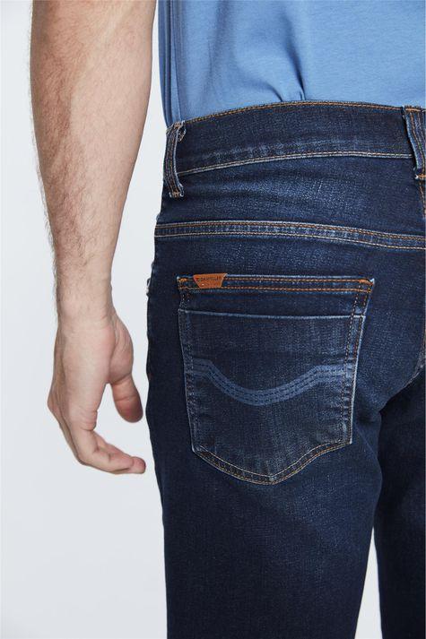 Bermuda-Jeans-Basica-Reta-Masculina-Detalhe-1--