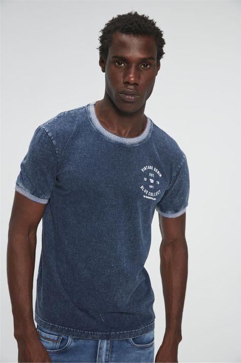 Camiseta-Denim-com-Estampa-Vintage-Detalhe--