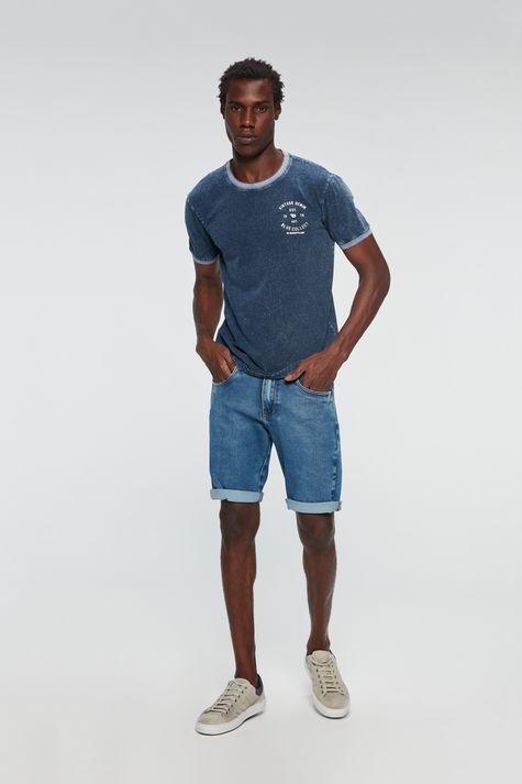 Camiseta-Denim-com-Estampa-Vintage-Detalhe-1--