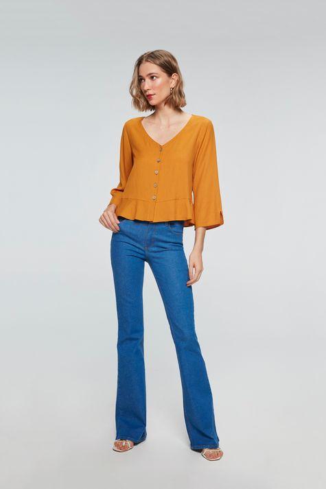 Camisa-Solta-com-Babado-Feminina-Detalhe-1--