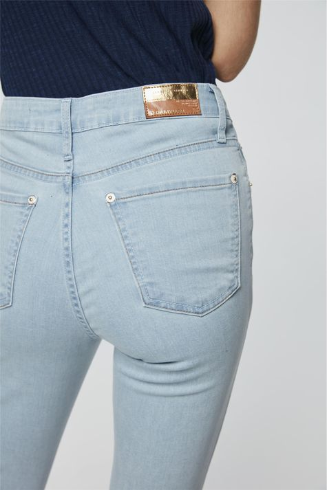 Calca-Jeans-Azul-Claro-Skinny-Cropped-Detalhe--
