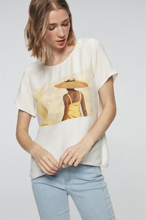 Camiseta-com-Estampa-Mulher-com-Chapeu-Frente--