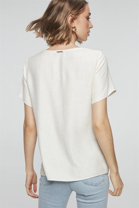 Camiseta-com-Estampa-Mulher-com-Chapeu-Costas--