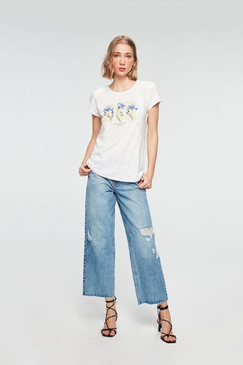 Camiseta-Estampa-Beauty-is-an-Attitude-Detalhe-1--