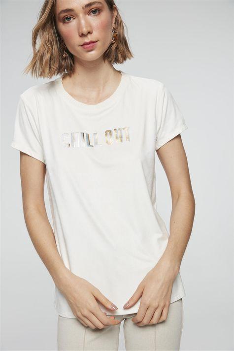camiseta-com-Estampa-Chill-Out-Feminina-Costas--