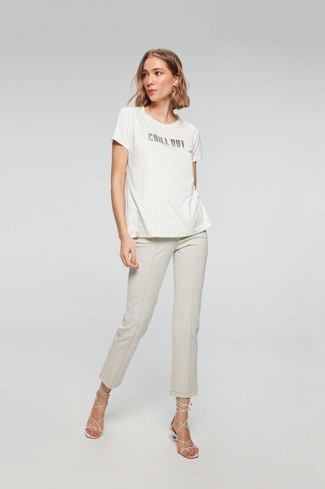 camiseta-com-Estampa-Chill-Out-Feminina-Detalhe-1--