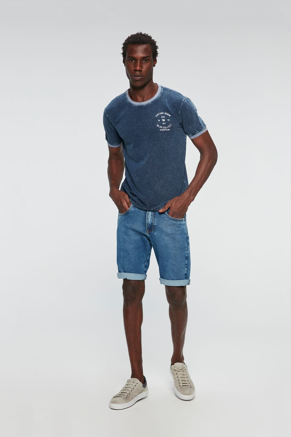 Look-Camiseta-com-Estampa-Vintage