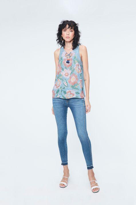 Regata-Jeans-Amarracao-e-Estampa-Floral-Detalhe-1--