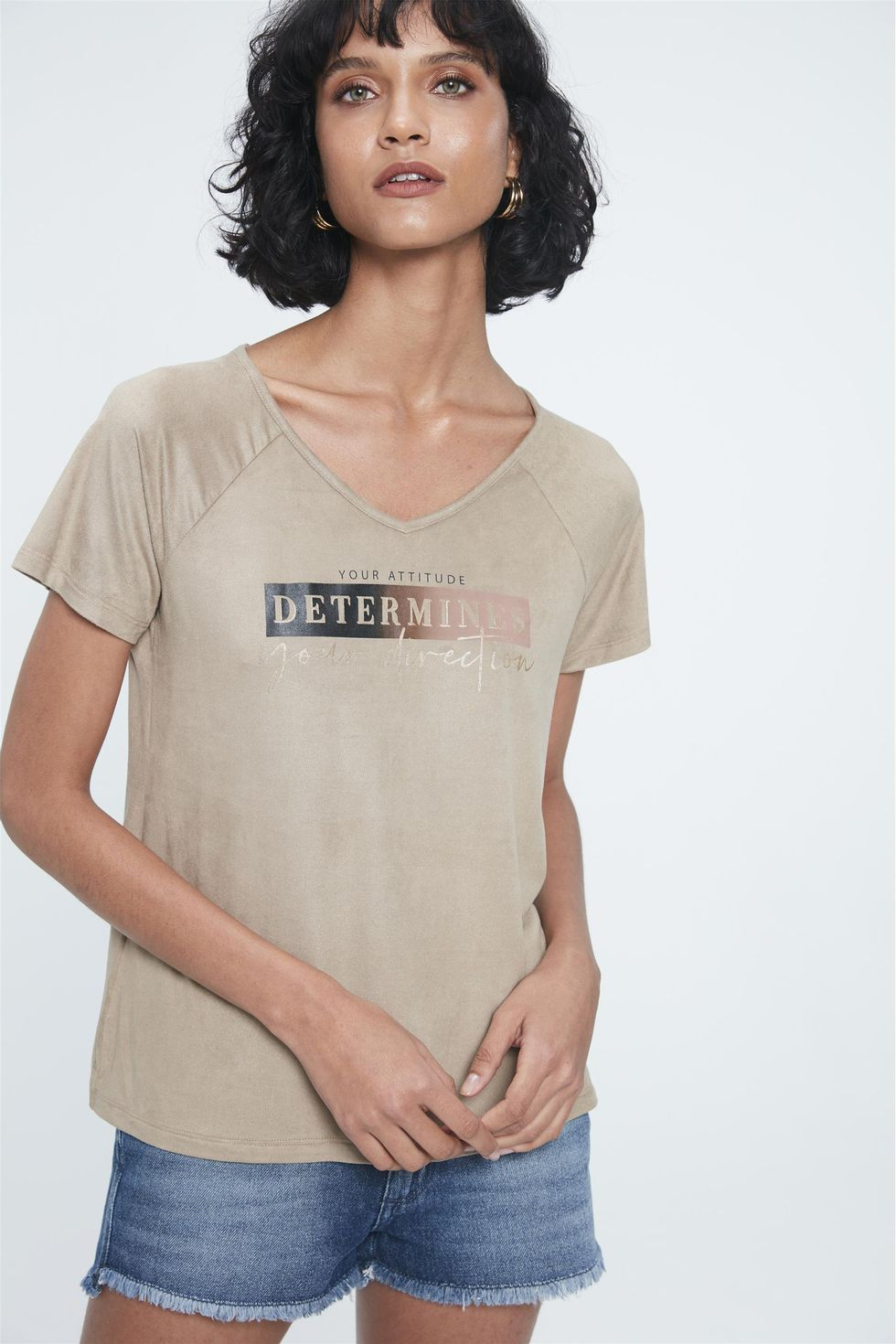 Camiseta-de-Suede-com-Estampa-Determines-Frente--