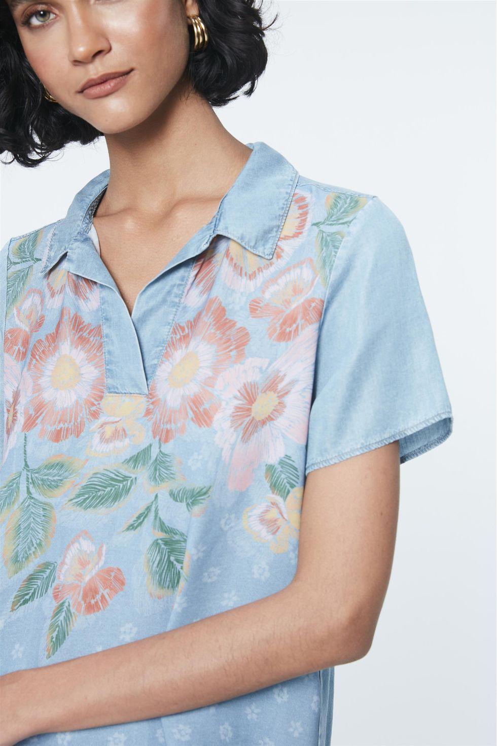 Blusa-Jeans-Estampa-Floral-e-Gola-Frente--