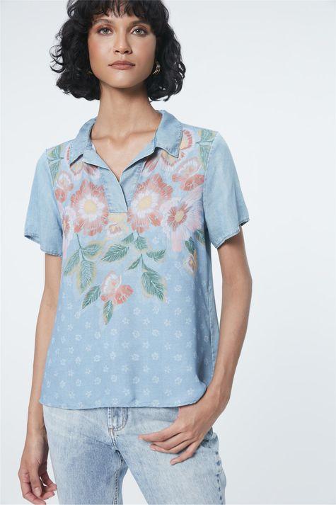 Blusa-Jeans-Estampa-Floral-e-Gola-Detalhe--