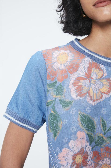 Blusa-Jeans-com-Estampa-Floral-e-Ribanas-Detalhe--