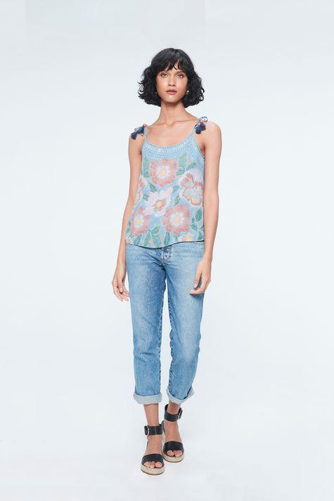 Blusa-de-Alca-Jeans-com-Estampa-Floral-Detalhe-1--