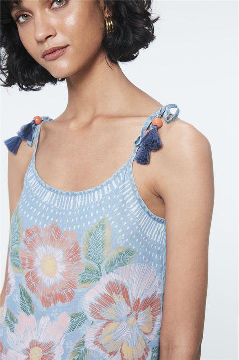 Blusa-de-Alca-Jeans-com-Estampa-Floral-Detalhe--