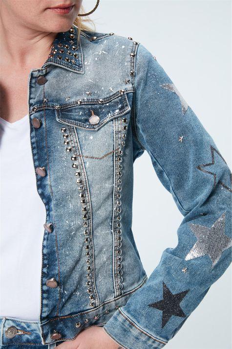 Jaqueta-Jeans-com-Tachas-Recollect-Detalhe-1--