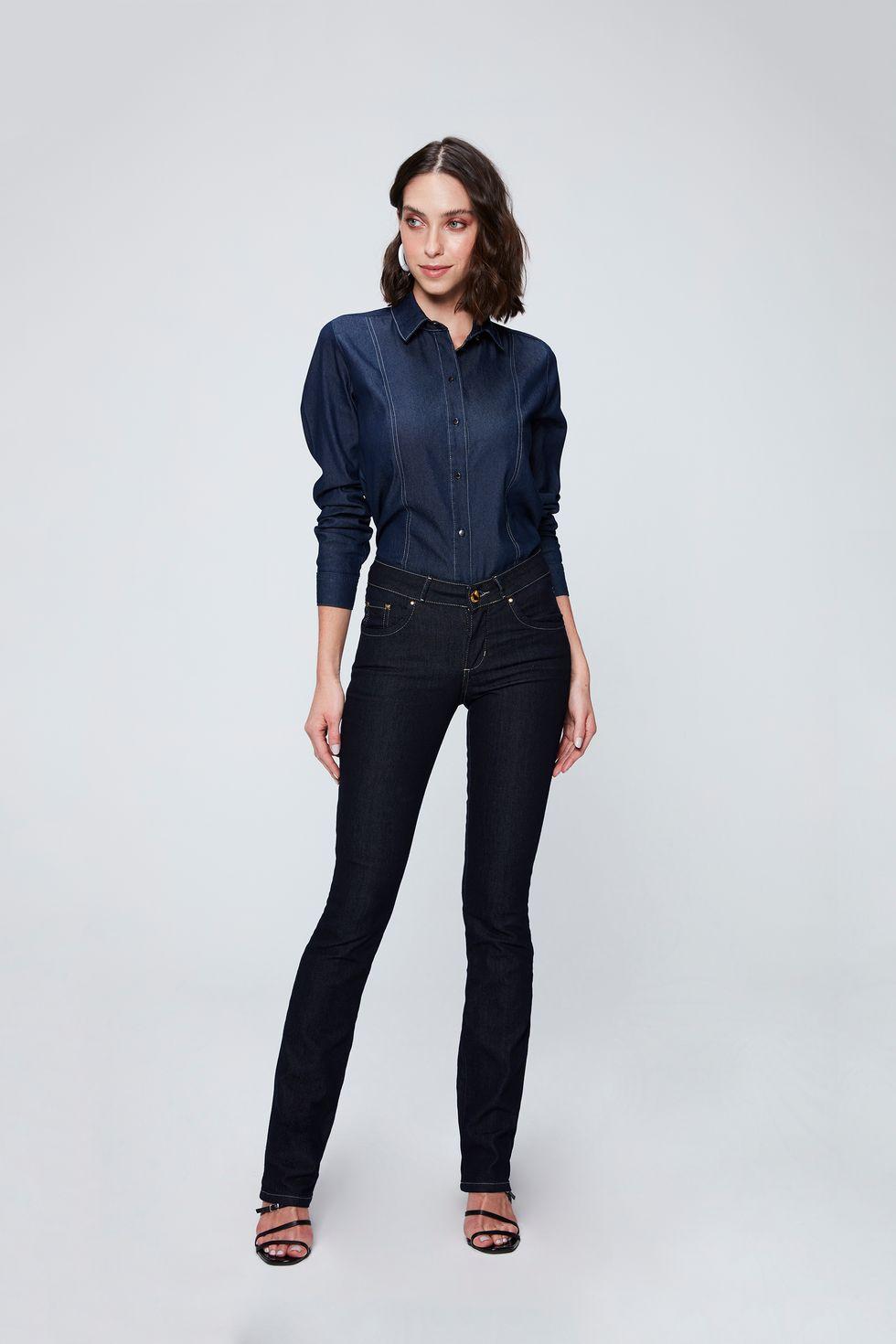 Calca-Jeans-Reta-Basica-Etiqueta-Bolso-Frente--