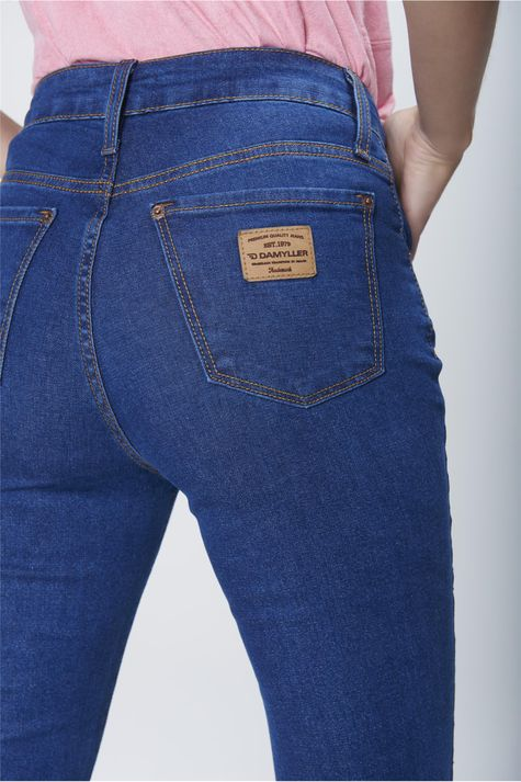 Calca-Flare-Jeans-Cintura-Alta-Feminina-Detalhe--