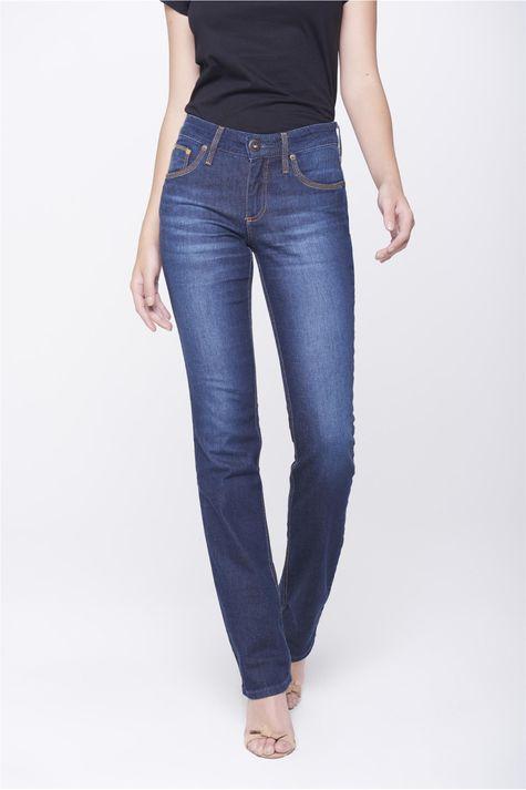 Calca-Jeans-Reta-com-Detalhes-nos-Bolsos-Frente-1--